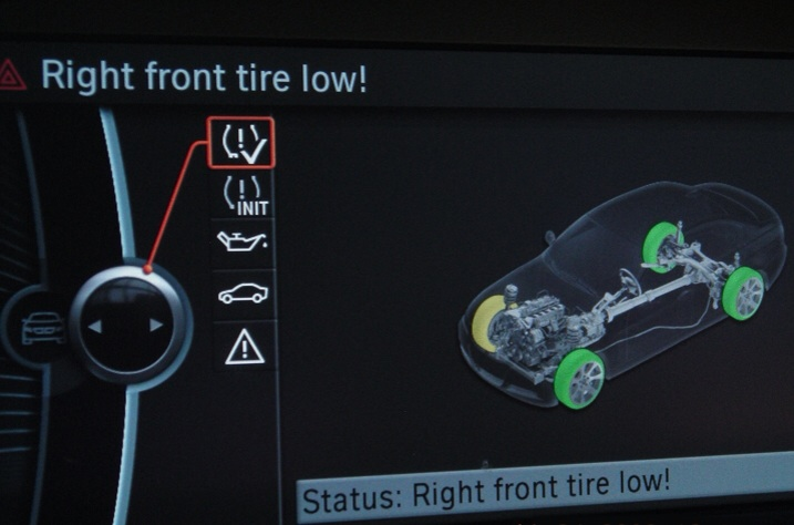 Low Tire Pressure >> Valley Auto World Bmw Tpm Indicator Light Fayetteville Bmw Dealer